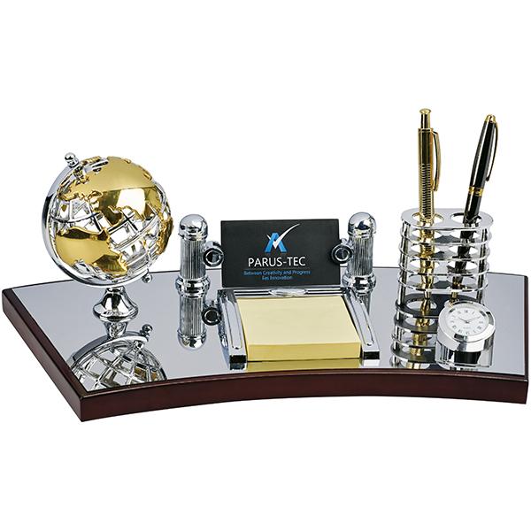 התמונה הראשית של מעמד שולחני מהודר כולל שעון