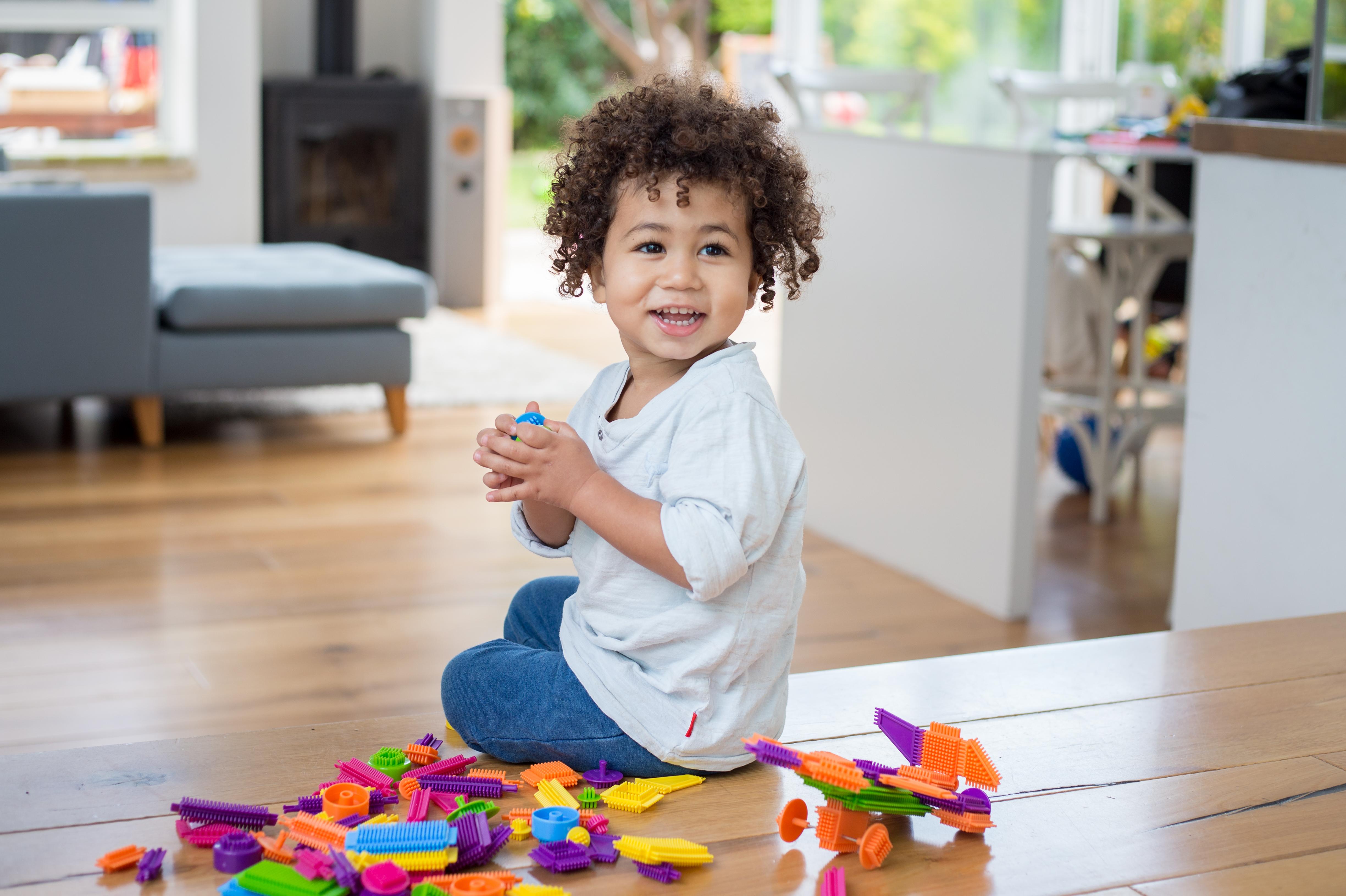 אדיושייפ - צעצועי התפתחות